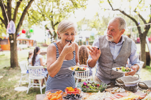 Couple eating sparingly at Thanksgiving