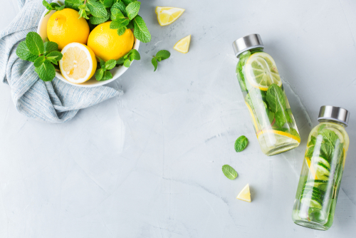 Flavored water with lemon and mint