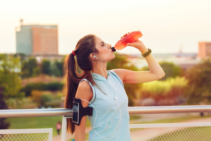 Sports drinks vs water for walkers? Do you need the carbs, sugar + electrolytes?